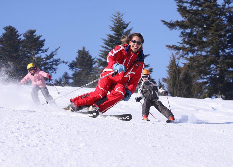 guzet-station-ski-famille-visage-HVR-FIG-rouge-cr-carol-jay-1480