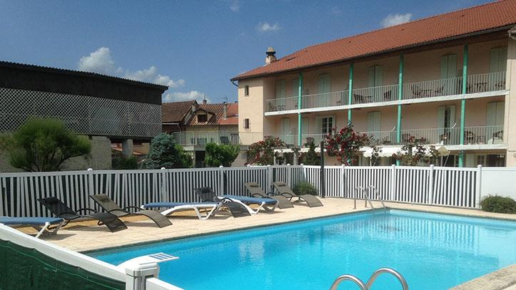 piscine de l'hôtel autre vue