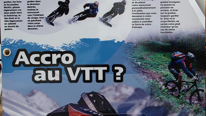 panneau indication du VTT des neiges à Ski d'Oc