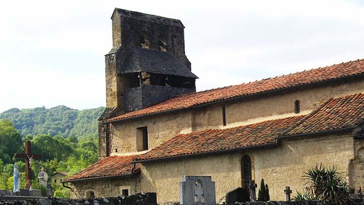 Eglise de Vic d'Oust vue de l'extérieur